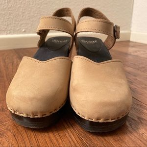 Sven Shoes - LAST CHANCE! Sven Mary Jane clogs (Size 39)